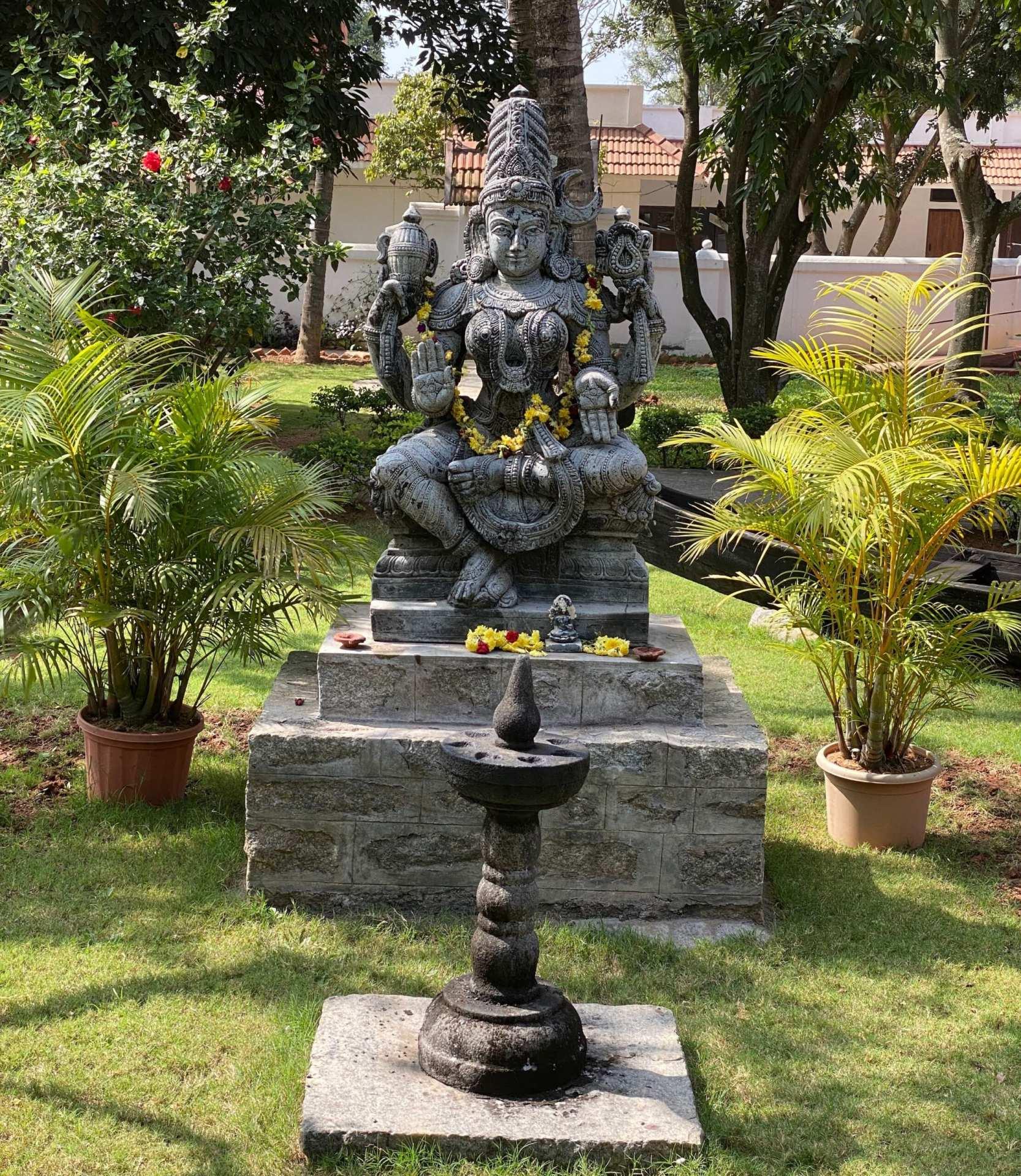 Statue Shiva JCB
